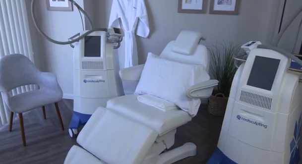 cool sculpting tech chair
